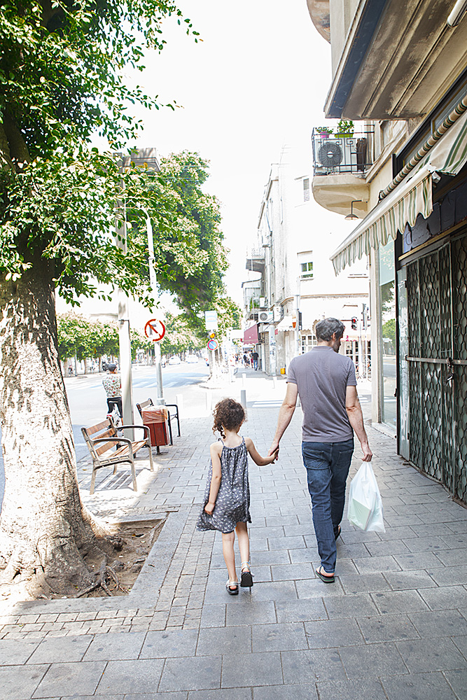 Father and daughter, Tel Aviv